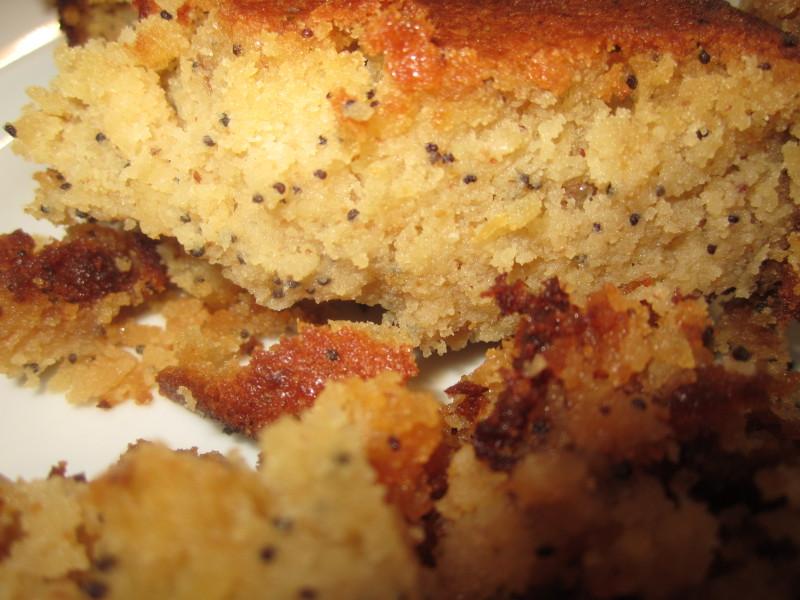 Flourless Lemon and poppy seed cake