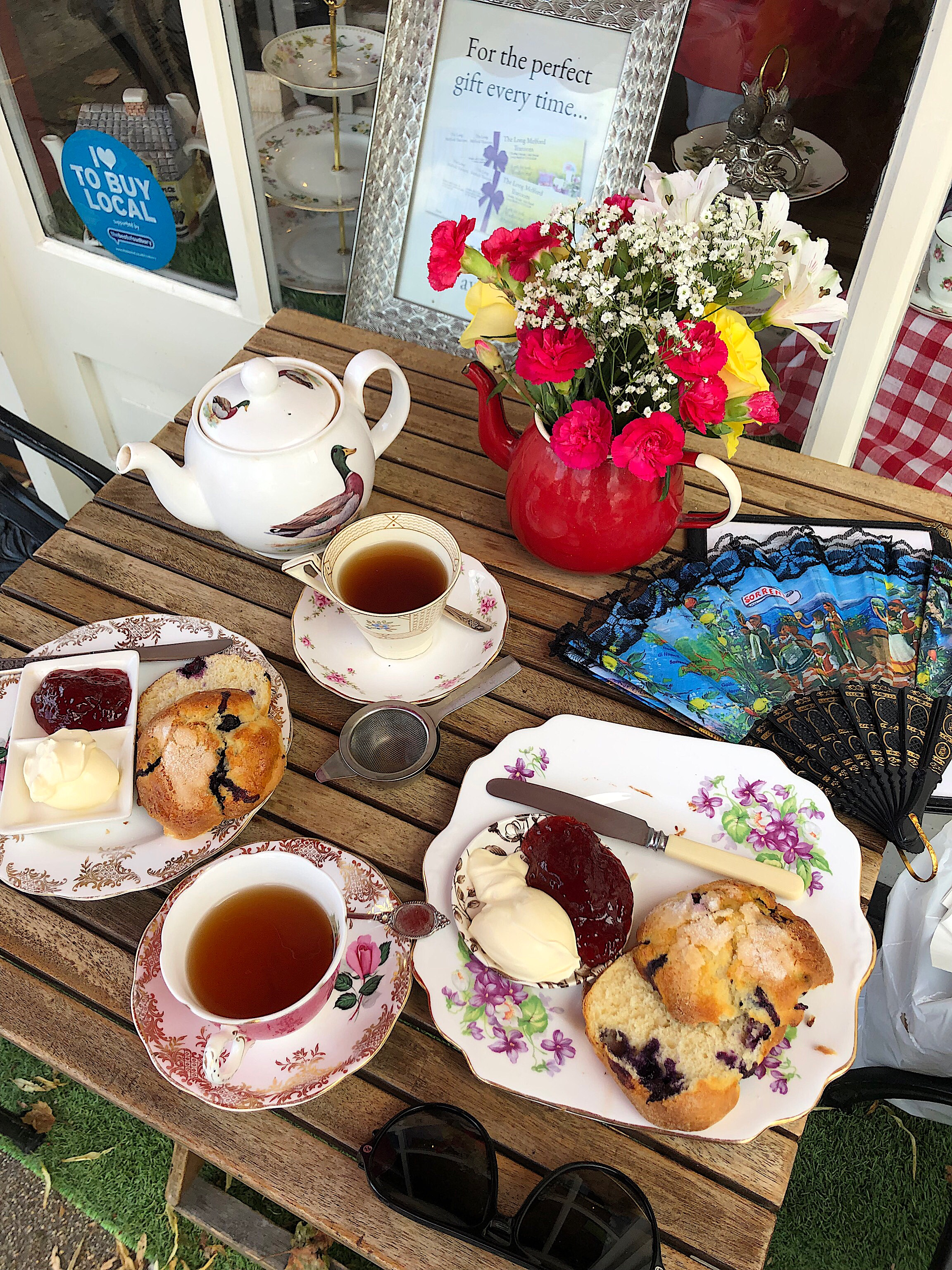 the best blueberry scones and tea
